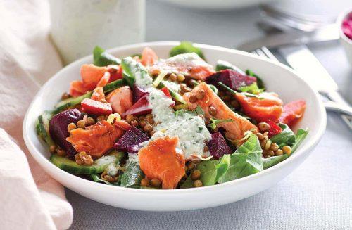 Salmon lentil salad with cucumber cream