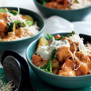 Chicken and vegetable red curry with cucumber and coconut sambal