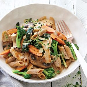 Creamy chicken, mushroom and almond pasta