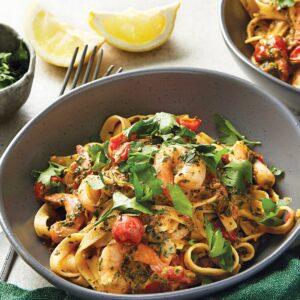 Creamy chilli prawn pasta