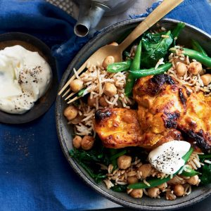 Chicken tikka with chickpeas and spinach rice