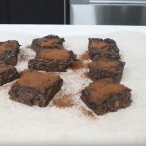 How to make fudgy kumara chocolate brownies