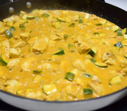 How to make peanut chicken curry