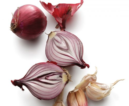 Eat onions to lower your bowel cancer risk