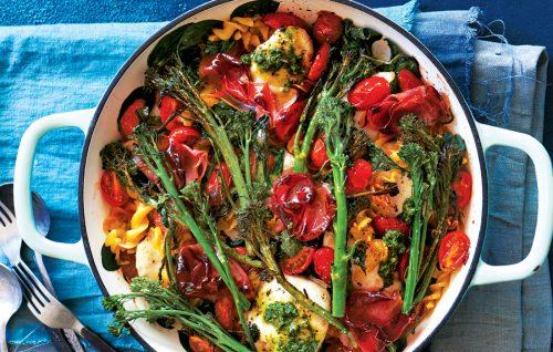 Roasted tomato and chicken pesto pasta