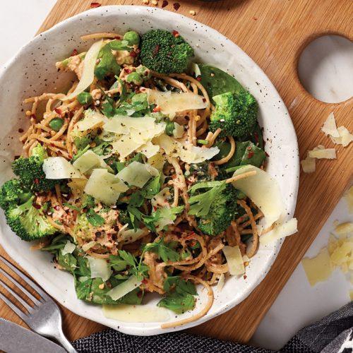 Pasta with chilli tuna and greens