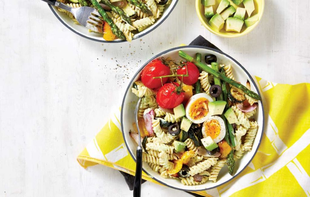 Creamy avocado and roasted vegetable pasta salad
