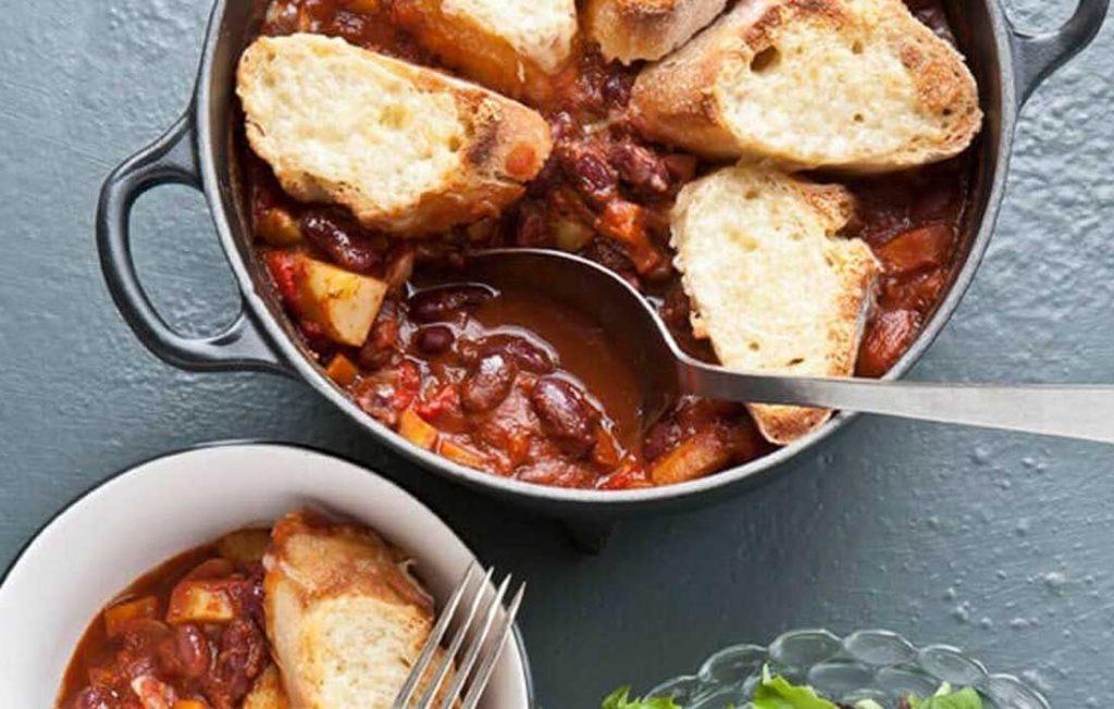 Spicy bean and potato chilli