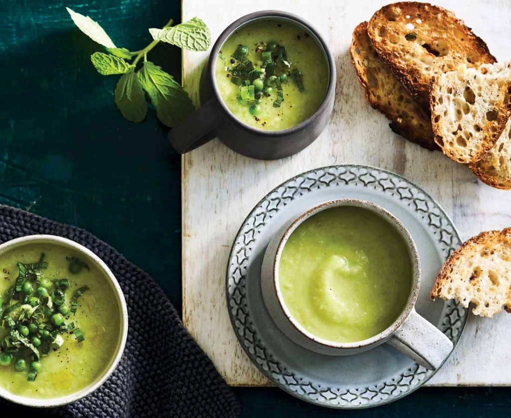 Cauliflower soup with peas and potato