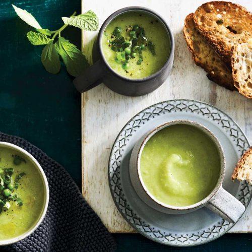 Cauliflower soup with peas and potato