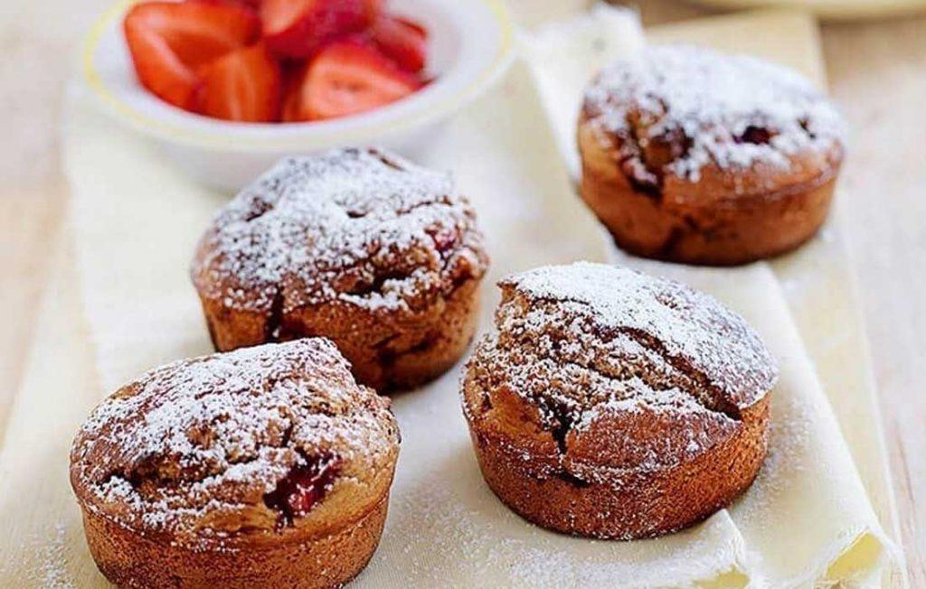 Strawberry and cinnamon muffins