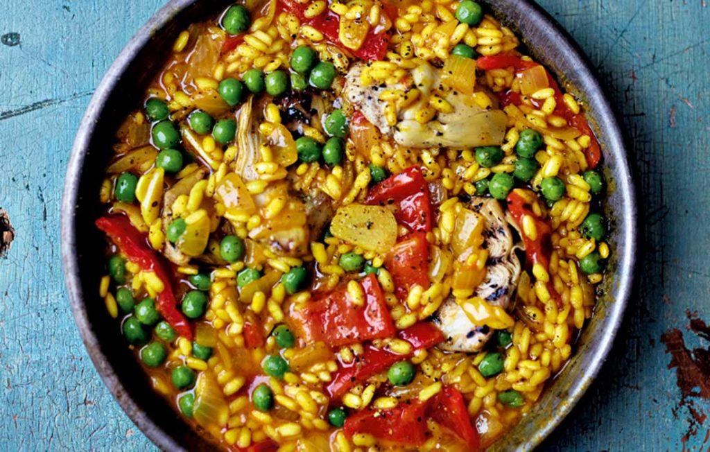 Vegan paella with artichoke