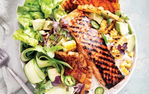 Salmon, pineapple and BBQ corn salad bowl
