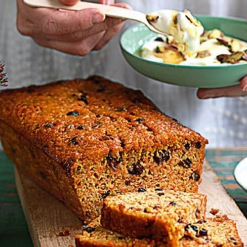 Carrot cake made with honey and olive oil