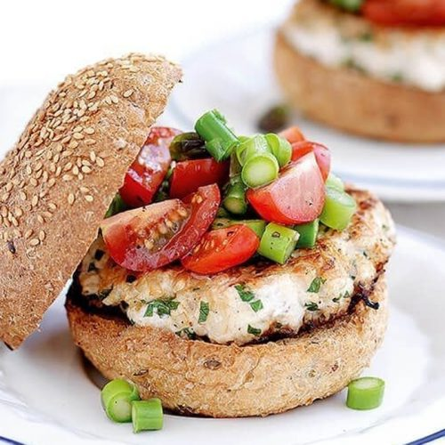 Chicken burgers with chunky salsa