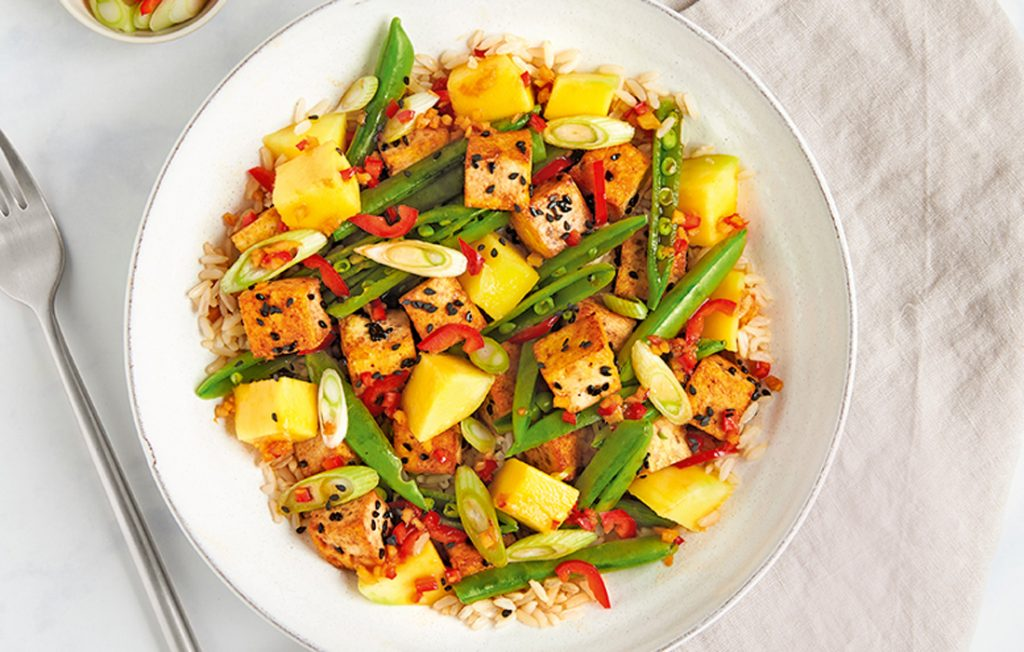 Sesame tofu and mango with spicy ginger dressing