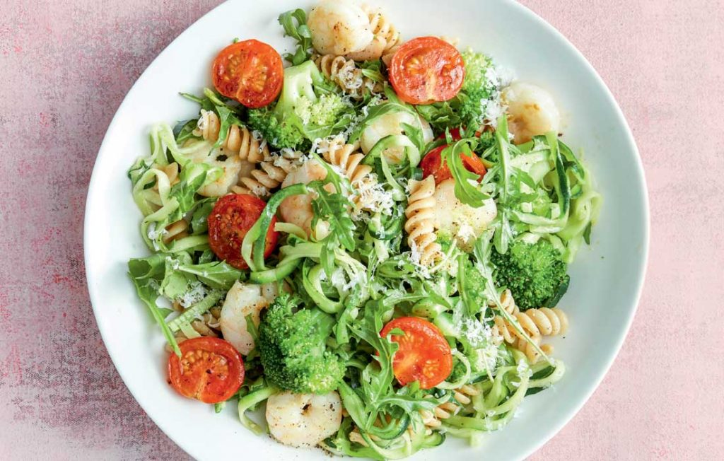 Pasta with garlicky prawns,-wilted tomatoes and greens