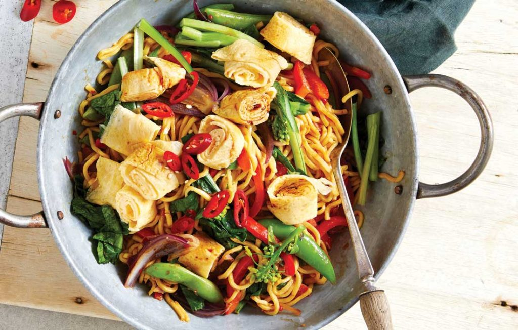 Chinese vegetable and noodle stir-fry with egg