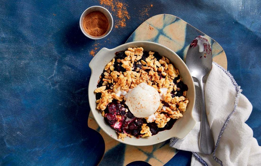 Blueberry oat crumble