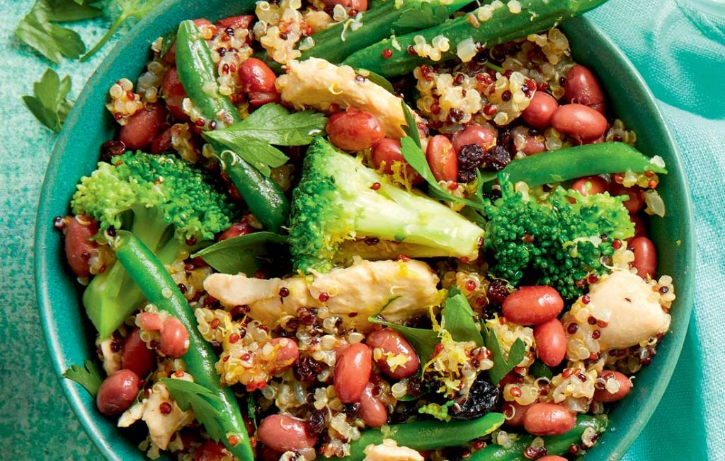 Quinoa pilaf with chicken and red kidney beans