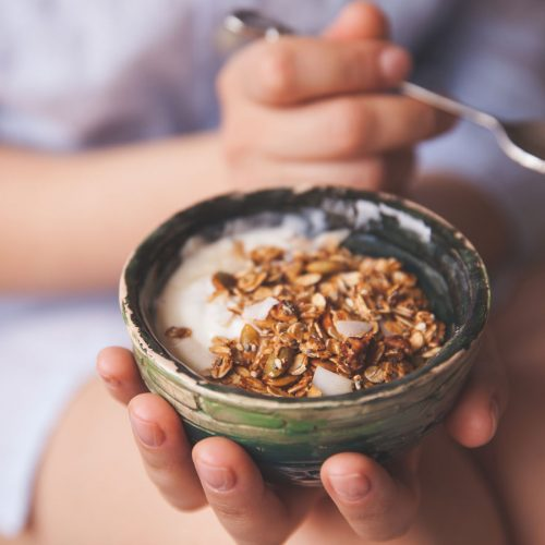 Whole grains may help keep middle-age spread at bay