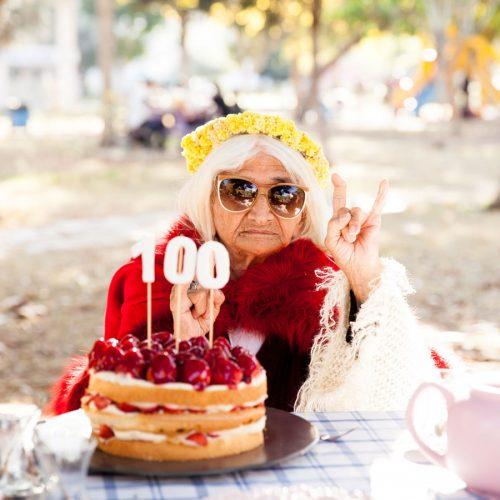 Centenarians' gut bugs make disease-fighting acid